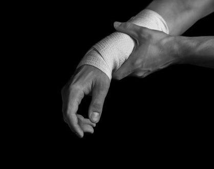 עובד עצמאי שנפגע בידו ואיבד כושר עבודה