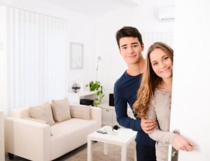 שוכרים בדירה שכורה